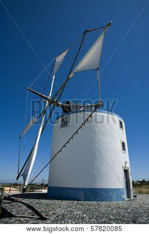 Sesimbra Windmills