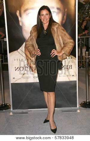 Mimi Rogers   at the Los Angeles Premiere of 'The Curious Case of Benjamin Button'. Mann's Village Theater, Westwood, CA. 12-08-08