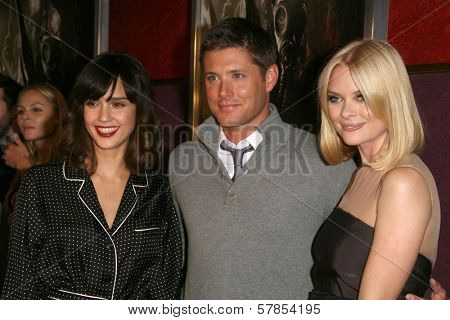 Jessica Alba with Jensen Ackles and Jaime King  at the Los Angeles Special Screening of 'My Bloody Valentine 3D'. Mann's Chinese Six, Hollywood, CA. 01-08-09