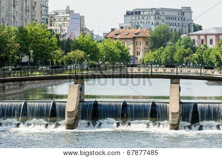 Bridge Over Dambovita River In Bucharest