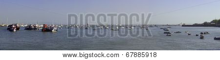 Panoramic Mumbai boat landscape