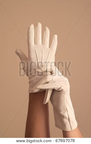 Woman Modeling Vintage Formal White Knit Gloves