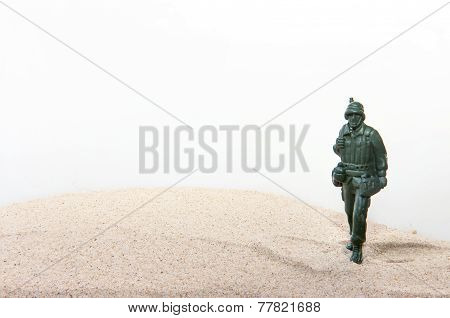 Plastic toy Soldiers with sand