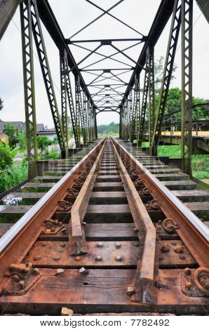 Rail Rust Last Chock