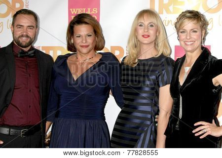 LOS ANGELES - DEC 7:  Transparent Cast at the