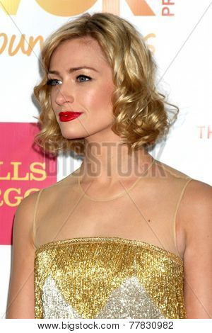 LOS ANGELES - DEC 7:  Beth Behrs at the