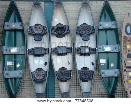 Standing canoes