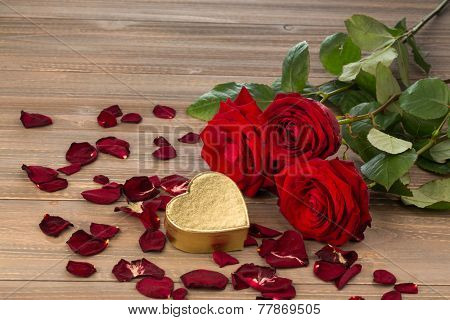 roses as a gift and surprise to a feast. photo icon for birthday, mother's day, love, valentine's day