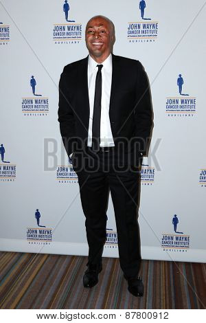 LOS ANGELES - FEB 11:  J.R. Martinez at the 30th Annual John Wayne Odyssey Ball at the Beverly Wilshire Hotel on April 11, 2015 in Beverly Hills, CA