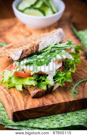 Rye Toast Sandwich With Green Leaf, Tomato And Chicken