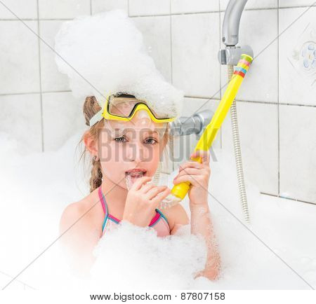 girl in sunglasses dive