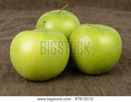Threee Granny Smith Apples