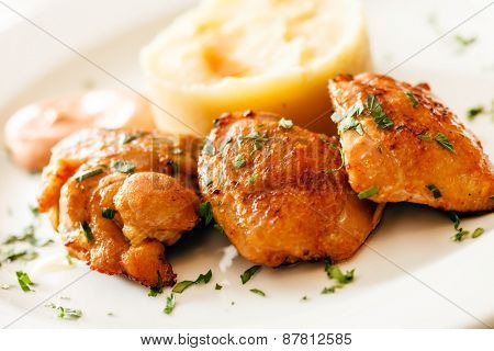 chicken with mashed potatoes