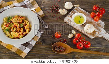 Ravioli Pasta With  Tomato Sauce And Fresh Herbs.