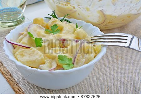 Fresh Potato Salad With Mayonnaise