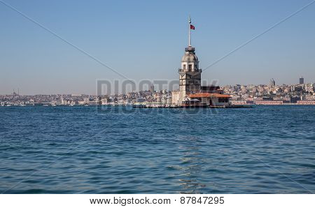 Maiden's Tower lighthouse with Galata tower in the background