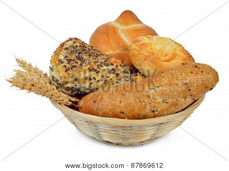 Whole wheat bread with bun in the basket