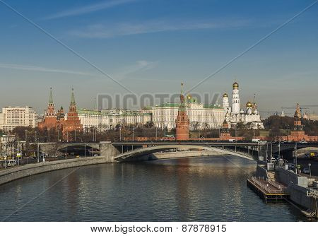 Moskva River embankment. Kremlin.