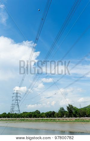 Electrical transmission tower at day time