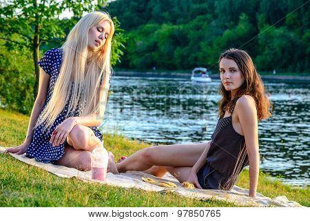Girl's picnic