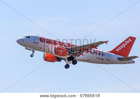 Airbus A319 Of The Easyjet Airline