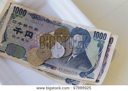 Yen on a Dish
