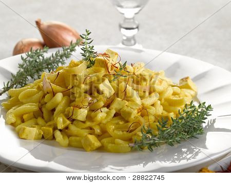 malloreddus pasta with mozzarella onions and saffron