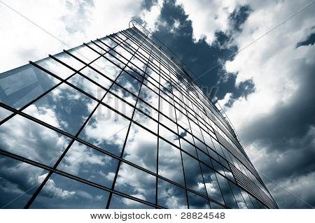 Unheimlich Wolkenkratzer