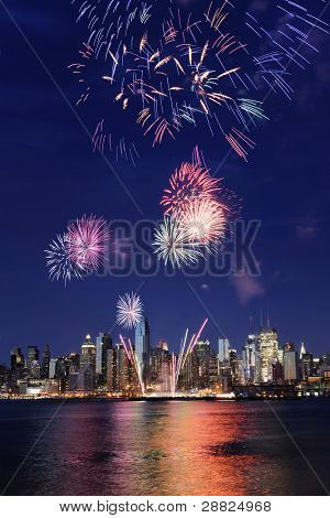 Manhattan and 4th july firework