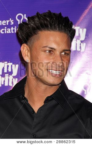 LOS ANGELES - JAN 13:  Paul Delvecchio aka Pauly D arrives at  the