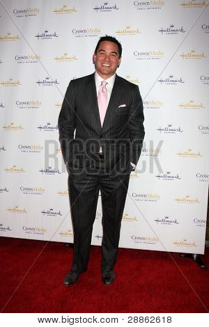 LOS ANGELES - JAN 14:  Dean Cain arrives at  the Hallmark Channel TCA Party Winter 2012 at Tournament of Roses House on January 14, 2012 in Pasadena, CA