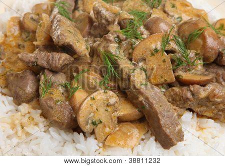 Lomo Strogonoff con arroz