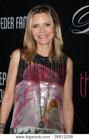 LOS ANGELES - OCT 26:  Michelle Pfeiffer arrives at