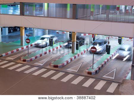 Estacionamiento en el aeropuerto