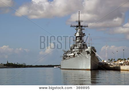 Battleship Missouri Memorial At Pearl Harbor