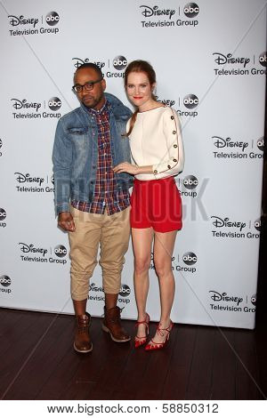 LOS ANGELES - JAN 17:  Columbus Short, Darby Stanchfield at the Disney-ABC Television Group 2014 Winter Press Tour Party Arrivals at The Langham Huntington on January 17, 2014 in Pasadena, CA
