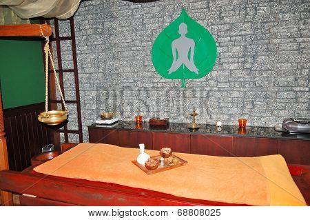 Spa Massage Bed At Luxury Hotel, Dubai, Uae