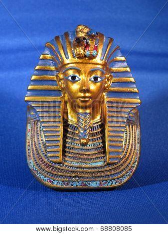 Statue of Tutankhamen
