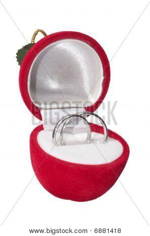 Wedding rings in velvet box