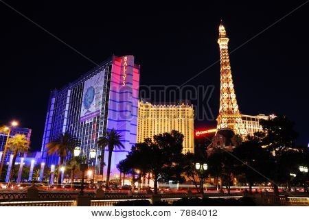 Eiffel Tower Paris And Ballys Hotel In Las Vegas