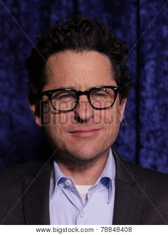 LOS ANGELES - NOV 22:  J.J. ABRAMS arrives to the