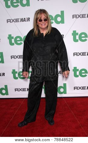LOS ANGELES - JUN 21:  PENNY MARSHALL arrives to the