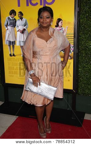 LOS ANGELES - AUG 09:  OCTAVIA SPENCER arrives to the