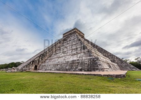 Chichen Itza, Mayan Pyramid, Yucatan, Mexico