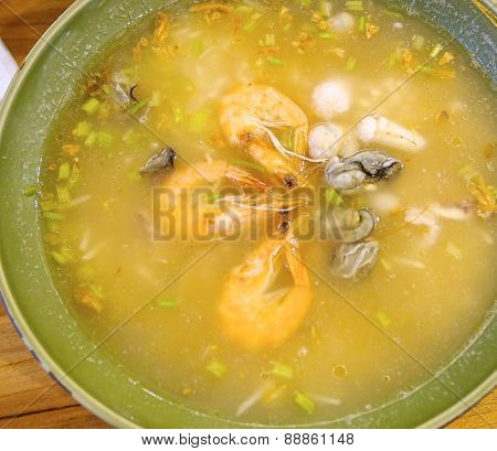 The closeup of sea food congee