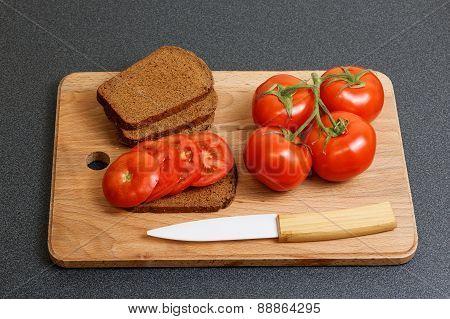 Fresh Tomato And Bread