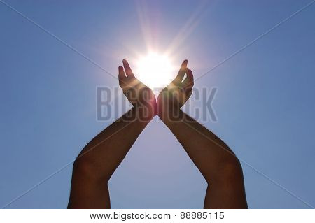 Catching the Sun with the hands