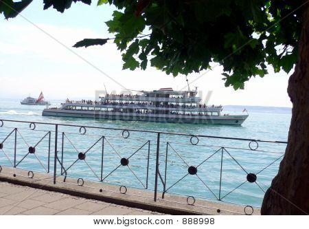 Passager Ship