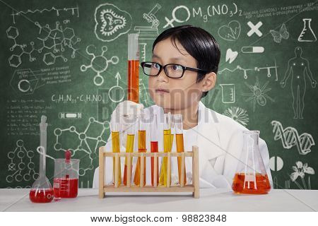 Little Student Makes Chemistry Experiment