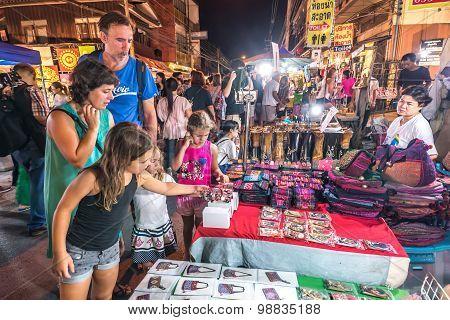 Walking Street Market Wualai.